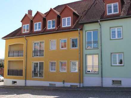 Herrlich helle und großzügige Erdgeschosswohnung mit Balkon auf Wunsch mit EBK