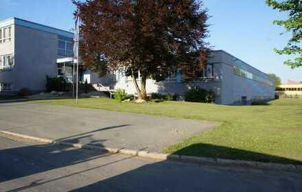 Industriegebäude für Produktion - Lager - Büro - Praxis - zu vermieten