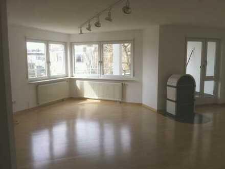 Sanierte 1,5-Zimmer-Wohnung mit Balkon und EBK in Filderstadt