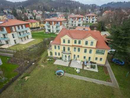 * sonniges Haus im Haus mit 5,5 Zimmern, Terrasse und Garten in beliebter Lage *