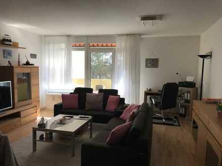 Schöne geräumige 3 Zimmerwohnung mit Balkon in Rödermark Urberach