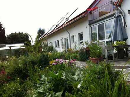 Wohngemeinschaft in Ueberlingen bietet exklusive, gepflegte 2-Zimmer im DG an!