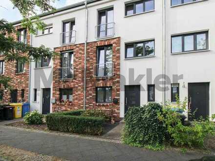 Neuwertig u. modern: Gehobenes Reihenmittelhaus mit Dachterrasse u. Garten - Nähe Großer Wiesenpark