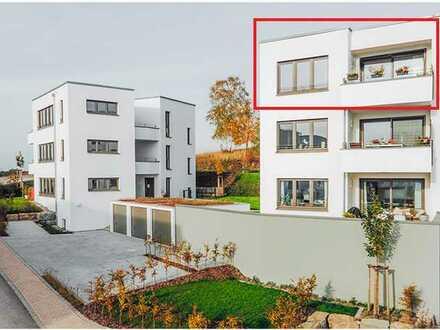 Neuwertige 4-Zimmer-Penthouse-Wohnung mit Balkon und EBK in Michelbach an der Bilz