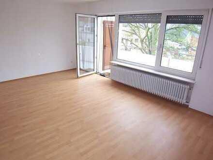 myHome-Immobilien / Supergünstige, lichtverwöhnte 1 Zi-Wohnung + Balkon + EBK im beliebten OF-Bieber