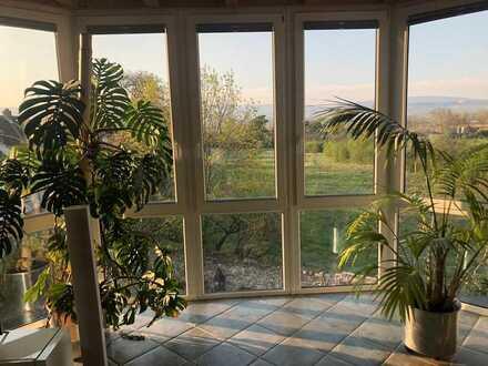 Schöne, geräumige fünf Zimmer Wohnung in Heidesheim am Rhein