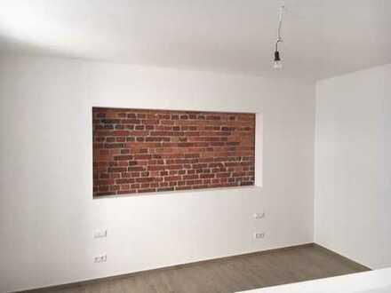 Moderne offene neu sanierte Wohnung mit großer Terrasse mitten im Zentrum