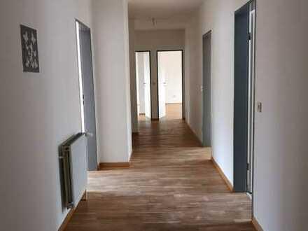Sehr schöne 4-Zimmer-Dachgeschosswohnung mit EBK in Bergen