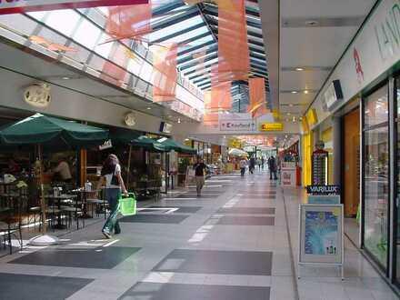 ca. 679 m² Shopfläche im EKZ ZentRO provisionsfrei zu vermieten