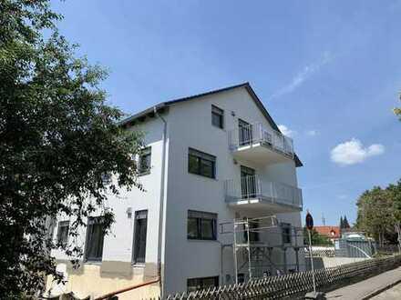 Erstbezug wunderschöne 5-Zimmer-Erdgeschosswohnung mit großem Garten in Neuburg/Do