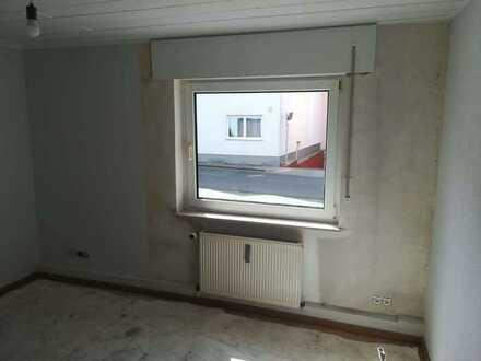 Erstbezug nach Sanierung: 1-Zimmer-Wohnung mit EBK in Wiesbaden-Nordenstadt