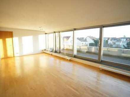 Luxus Penthaus Loft-Wohnung Etagen-Wohnung 90qm + 40qm Dachterrasse