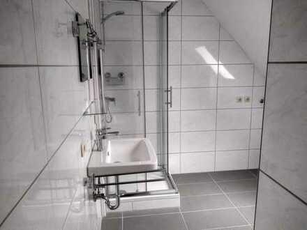 Schöne 3 Zimmer Küche Bad Wohnung in Neunkirchen (Kreis), Schiffweiler