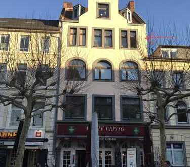 Bonn-Poppelsdorf- vis-à-vis Poppelsdorfer Schloss- sanierte 3-Zimmer-Altbauwohnung