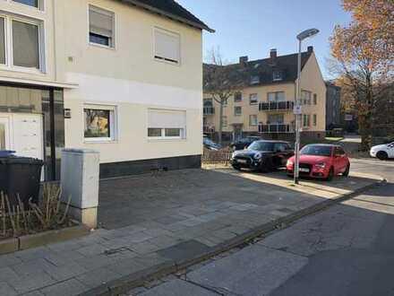 Attraktive, vollständig renovierte 3-Zimmer-Wohnung zur Miete in Essen