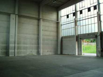 Hallen- und Büroflächen in verschiedenen Größen