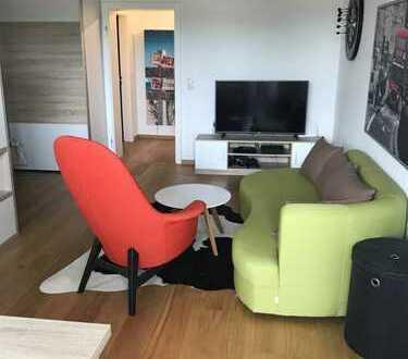 Helle möblierte 1,5 Zimmer Wohnung mit Balkon zur Zwischenmiete (01.07.19 - max. 15.09.19)