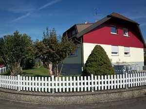 **Hartheim a.Rhein: 3 Zi. DG -Whg. mit Balkon u. Garage sucht Mieter ab 50+ **