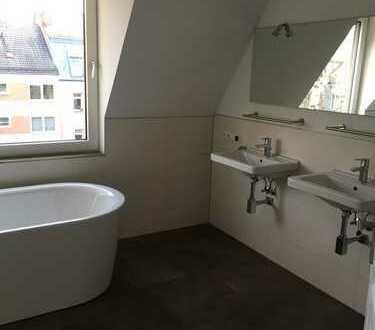 Maisonette-Whg. in 90461 Nürnberg, 3 Zi., EBK, 2 Bäder, Balkon u. Dachterrasse, Gartennutzg., Garage