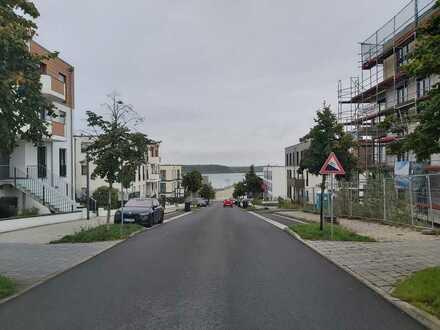 Exklusive, neuwertige Eigentumswohnung mit Balkon und Einbauküche am Zwenkauer See