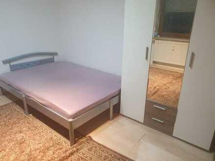 WG Zimmer möbliert Bett Schrank Schreibtisch Waschmaschine mit Münzautomat