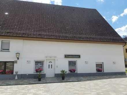 Zentral im Ort gelegene Gaststätte mit Pension