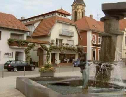 Schöne, geräumige zwei Zimmer Maisonette Wohnung im Ortskern, Rhein-Neckar-Kreis, Nußloch