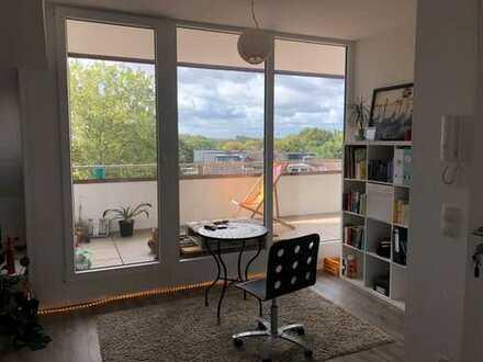 Exklusive 2-Zimmer-DG-Wohnung mit Balkon und Einbauküche in Münster-Aaseestadtrr
