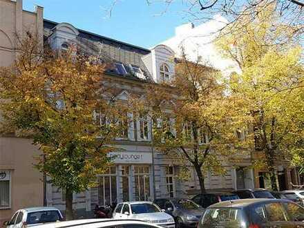 Berlin-Tegel: Vermietetes Gewerbe mit 2 Zi und 3% Rendite nahe Tegler See