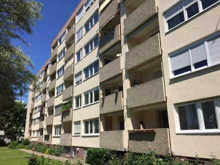 Nähe Theresienkrankenhaus in Nürnberg ! Gemütliche 3 Zimmerwohnung sehnt sich nach netten Bewohnern