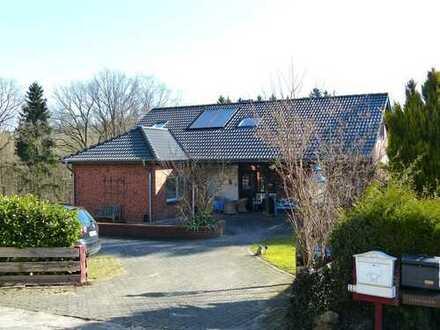 großes Einfamilienhaus direkt am Waldrand inkl. Bauplatz inkl. Waldgrundstück.