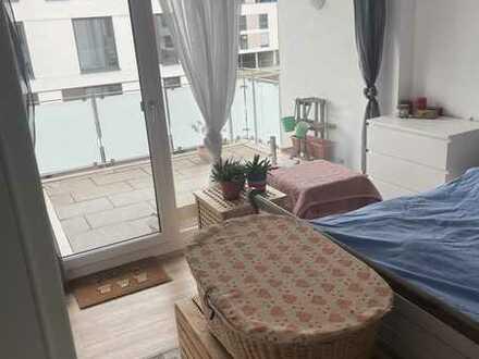 Neuwertige Wohnung mit zwei Zimmern und Balkon in Kehl