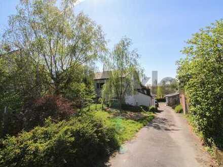 Rund 1.653 m² Freiraum für Handwerker und Naturliebhaber in Hitdorf