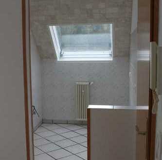Helle 2/3 Zimmerwohnung mit kleinem Balkon in 51491 Overath Marialinden
