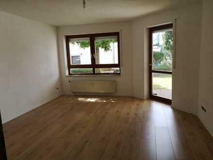 Gemütliche 2-Zimmer-EG-Wohnung mit zwei Terrassen in Malmsheim