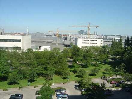 Nettes und gut geschnittenes 1-Zimmer-Appartement in München-Olympiadorf mit großer Ostloggia