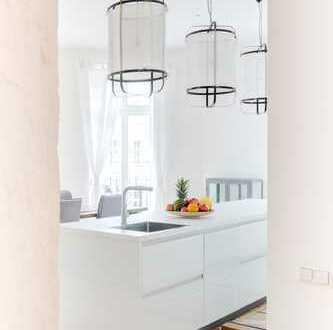 beeindruckende, große 3-Zimmer-Wohnung mit Balkon und Einbauküche
