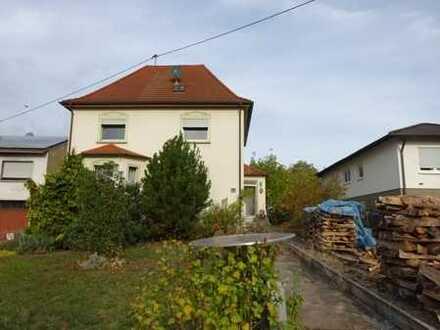 *** Freistehendes 1 Familienhaus mit Garten ***