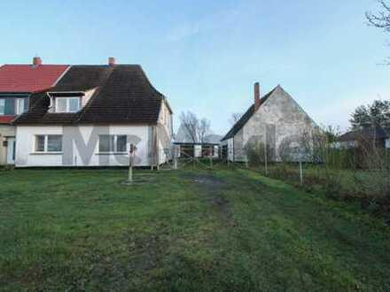 Naturnah und viel Potenzial: 6,5-Zi.-DHH mit bis zu 2 WE und weitläufigem Grundstück bei Stralsund