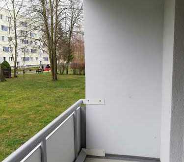 Sanierte 3-Raumwohnung mit Dusche und Balkon