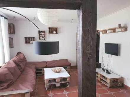 Freundliche 3,5-Zimmer-Wohnung mit Balkon,Terrasse und EBK in Coburg