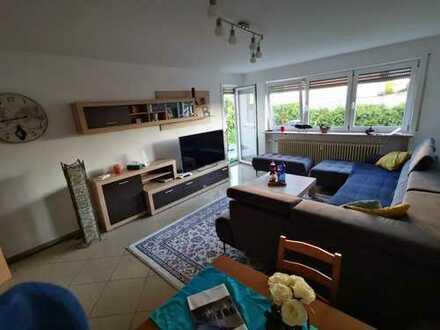 Große 4-Zimmer-EG-Wohnung mit Terrasse und Gartenanteil in Sebastian-Kirsch-Straße, Neumarkt