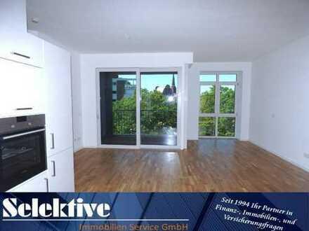 Zentrumslage: Barrierefreie, moderne 3 Zimmer Wohnung mit Aufzug und Balkon am Schlosspark