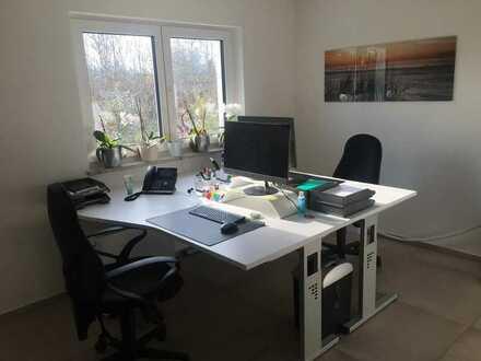 Helles, freundliches Büro