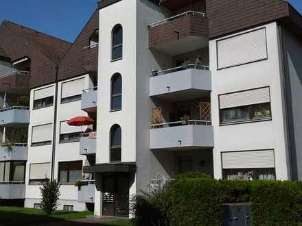 Große 3-Zimmer-Wohnung mit Tiefgaragenplatz, zentrumsnah