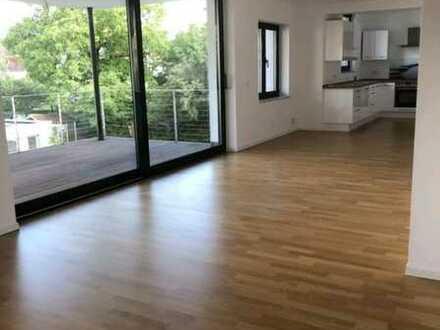 Wunderschöne 3,5-Zimmer-Wohnung mit Balkon und EBK in einer der begehrtesten Lagen Kirchheim Tecks
