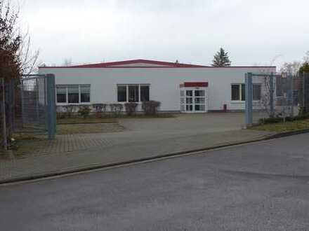 Betriebsgebäude! Bürofläche ++ Lagerhalle ++ 20 Stellplätze auf 4.058 m² Eigenland