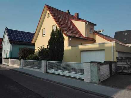 Hier fehlt es an nichts! Freistehendes Einfamilienhaus in bevorzugter Wohnlage von Viernheim