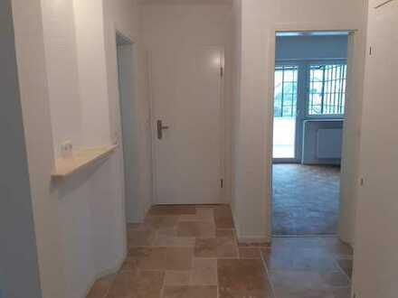 Erstbezug nach Sanierung: 4-Zimmer-Wohnung mit Balkon und überdachter Terrasse
