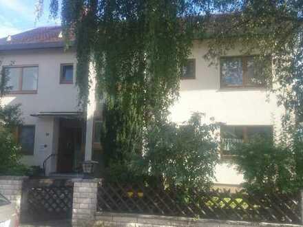 Lichtdurchflutete 4-Zimmer-Wohnung mit herrlichem Garten und ruhiger Lage in HöchstädtDonau (Kreis)